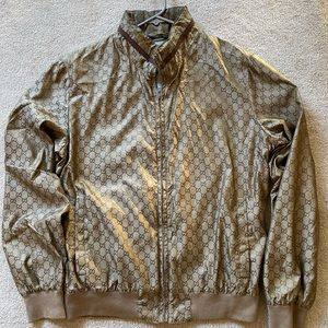 Authentic and classic Gucci jacket. Size 50